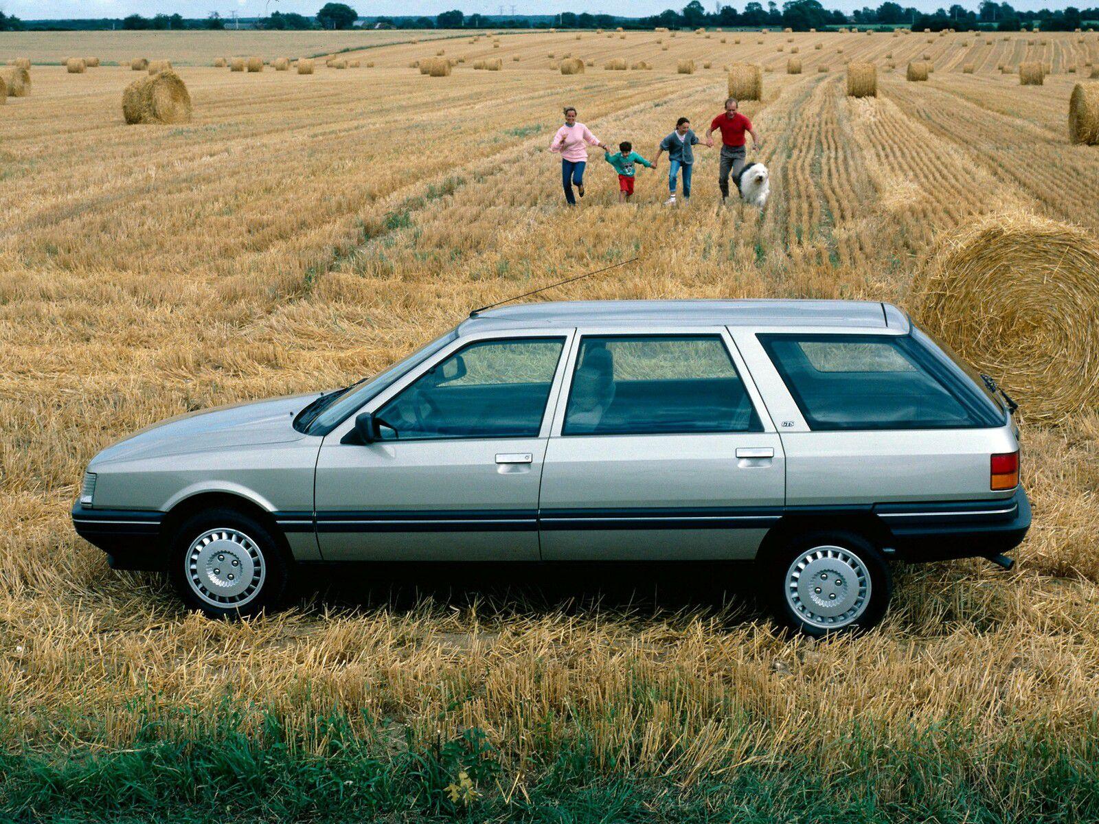 Une voiture dont on se souvient tous : la Renault 21 Nevada. Capacité de son coffre cubique et pratique : 674 litres.