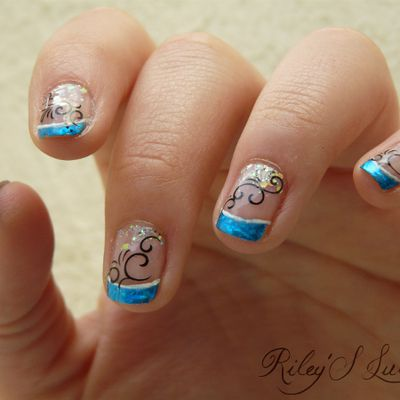 Nail art French avec Foil et Water Decal