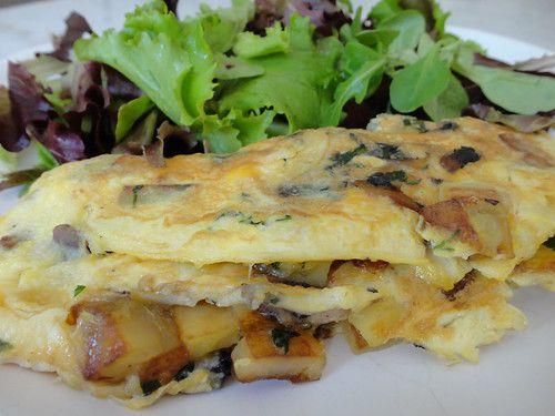 Omelette pommes de terre-champignon
