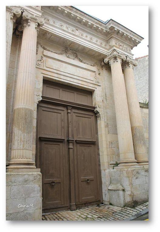 13-ARCHITECTURE LASSERON -MAISONS REMARQUABLES-VIEUX COMMERCES
