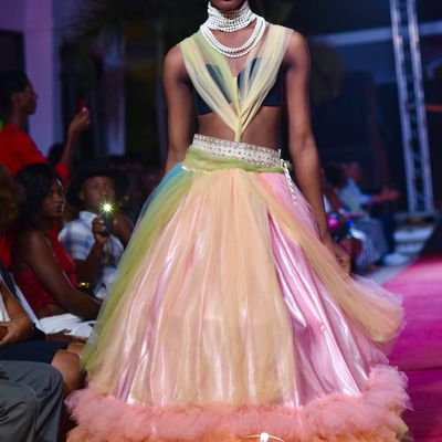 A Model  walk at Haiti Fashion 2018 @haitifashionweek  Disegner: Marie Kariline Behue  Makeup by @loretomakeup And Team @daphney_makeupartist  My Sponsors makeup @carinejocelyn @jaimejachete  Brand Lipstick @wardahbeauty @carolinasepteritabeauty  Photo by @cotemode97  Location: @nhhaiti_elrancho  #haitifashionweek #makeup #supermodel #fashion #photographer #look #style #fabulous  #vogue