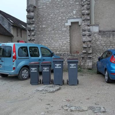 Parking poubelles