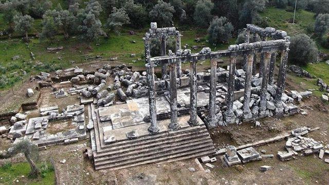 Vue aérienne du temple de Zeus mis au jour près de Bodrum - Crédit photo : AA