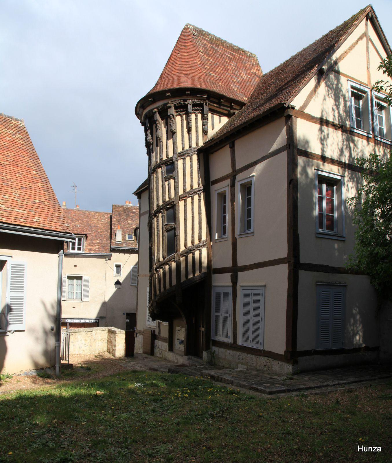 Chartres, escalier de la reine Berthe