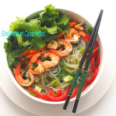 Wok de Vermicelles Chinois aux Gambas et Wasabino, décrudir les légumes