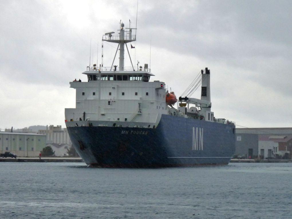 MN  TOUCAN , arrivant à la Seyne sur Mer , quai de la CNIM le 21 février 2015