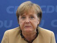 Immortan Joe, qui figure une métaphore d'Angela Merkel mixée avec Johnny Hallyday. Attention Joe est à droite