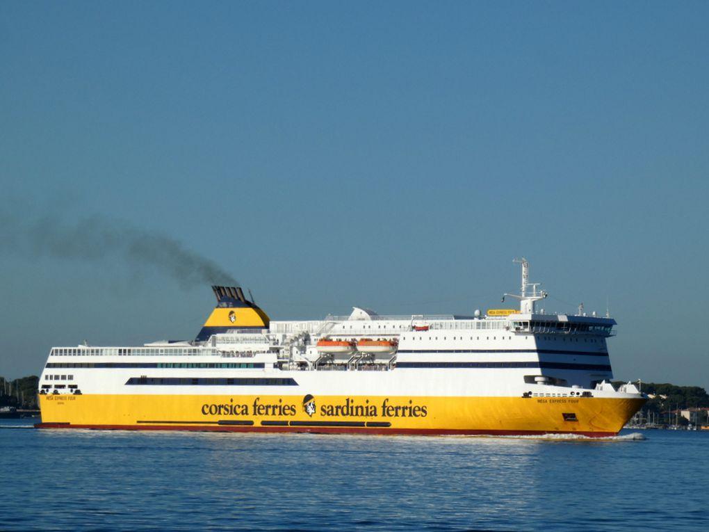 MEGE EXPRESS FOUR , arrivant au port de Toulon le 05 aout 2020
