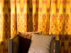 Bijoux de Mistinguett, satin en 135cm de large, 2 coloris et Palmette Art, impression sur velours, usage rideaux