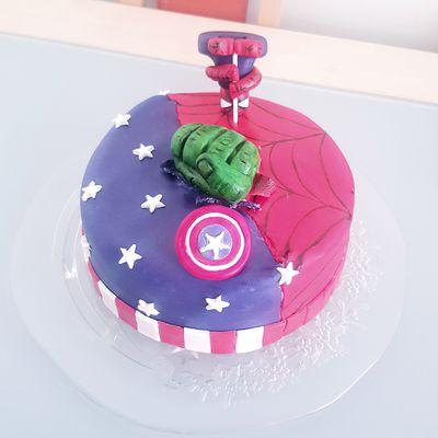 Avengers cake - vanille/chocolat blanc/chocolat au lait