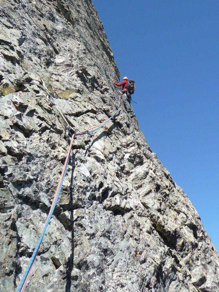 sortie des 45 mètres en traversée de L7 au-dessus des x lacs versant est du col Longet