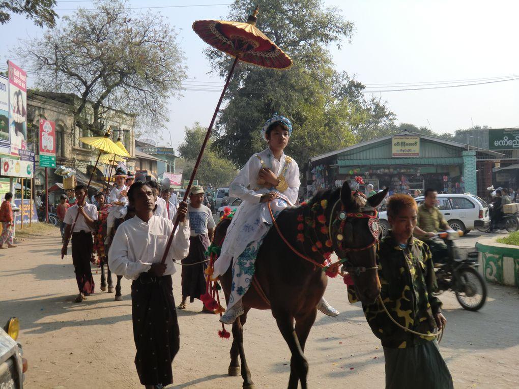 Défilé à Bagan