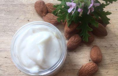 Crème liniment au lait d'amandes et géranium rosat