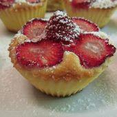 Petits moelleux aux fraises / Мягкие kексы с клубникой / Strawberry muffins / Briose moi cu capsuni
