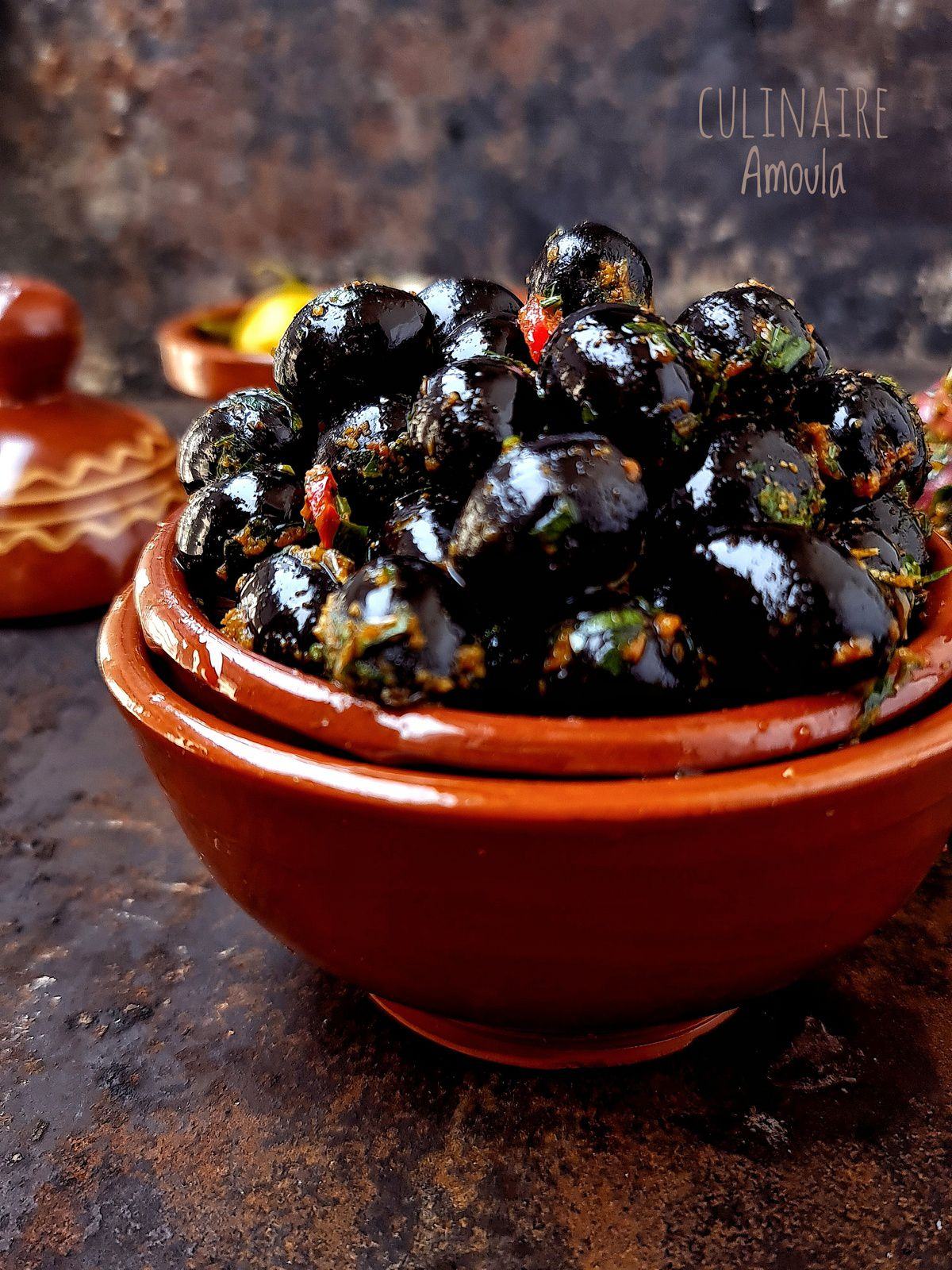 Assortiment d'olives marinées à la marocaine