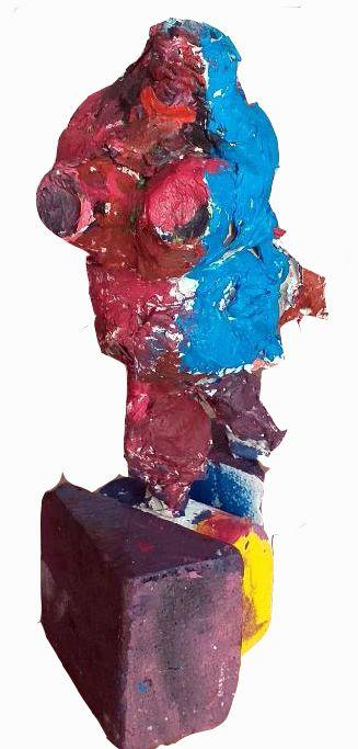 En s'inspirant des nanas  de  Niki de Saint phalle, papier maché , plâtre et acrylique