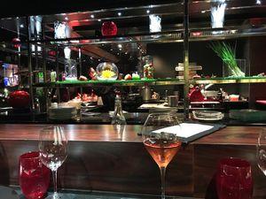 Dégustation entrée plat, dessert à l'Atelier étoile, Joel Robuchon, avenue des champs Elysées