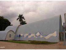 L'église Saint-François d'Assise, conçue par Oscar Niemeyer