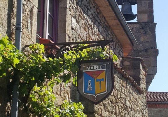 MONTPEYROUX, Un Village des Plus Beaux de France (63)