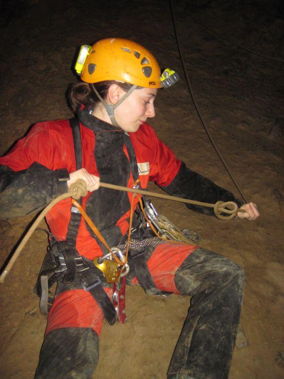 Sortie à la grotte de la Résistance en décembre 2010.