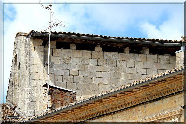 Diaporama abbatiale fortifiée de Guîtres