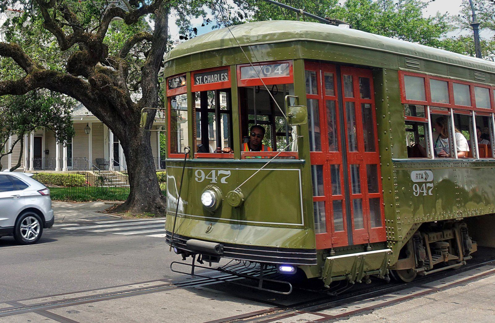 Nola St Charles Streetcar