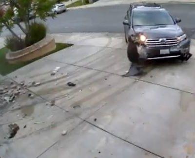 L'accélérateur coincé d'une Toyota Highlander - video