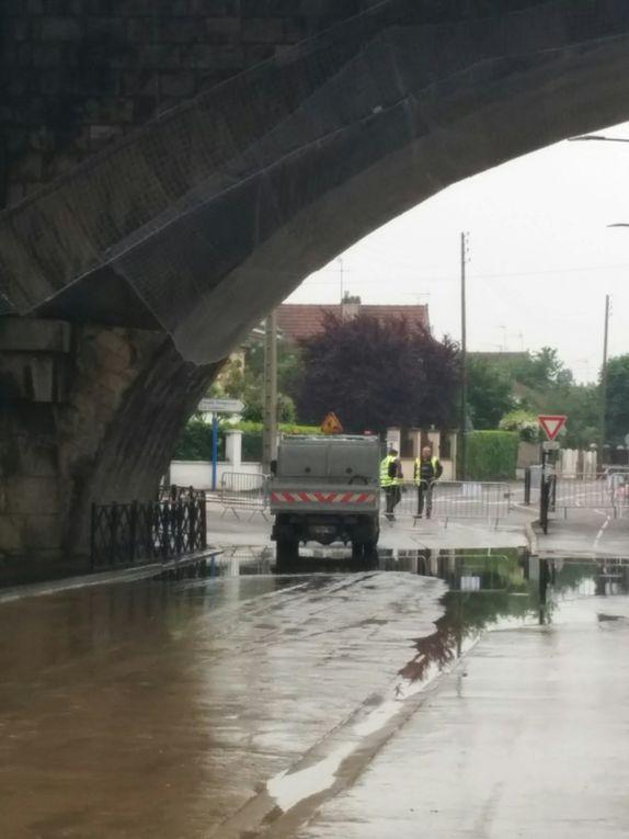 6 juin 2016, les bords de Seine sont inaccessibles
