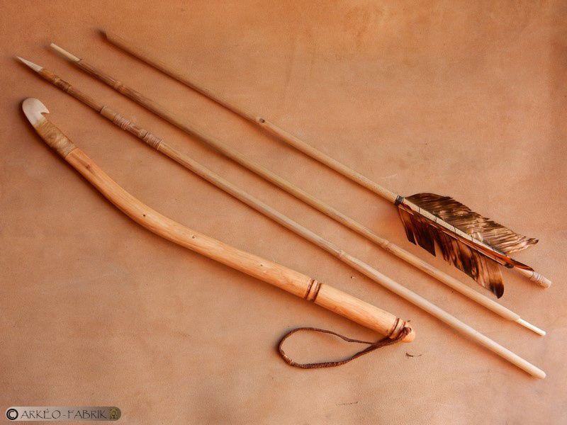 Pointe de sagaie en bois de renne, propulseur et propulseur / sagaie démontable... (propulseur d'après le crochet du Roc de Marcamps).