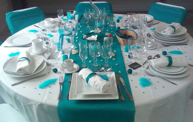 Ma table bleu turquoise