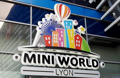 Comme des géants à Mini-world Lyon