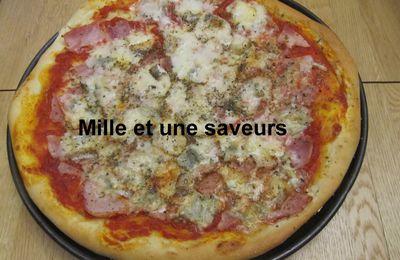 Pizza maison au gorgonzola