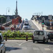 Blois, le basculement de la circulation sur le pont Jacques Gabriel a eu lieu pour le passage des travaux du côté amont - Violence Routière 41 - Bougez autrement à Blois - Bougez autrement dans le val de Loire -