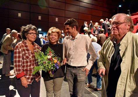 Leïla Shahid à Carhaix le 3 octobre 2015 à l'invitation de l'AFPS, ici avec Lucienne Nayet, Ismaël Dupont, Alain David (photo Jean-Marc Nayet)