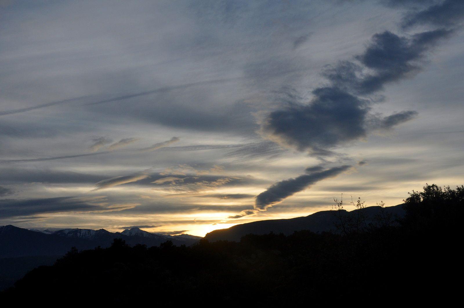 Le dessin des nuages qui bouge, magnifique.