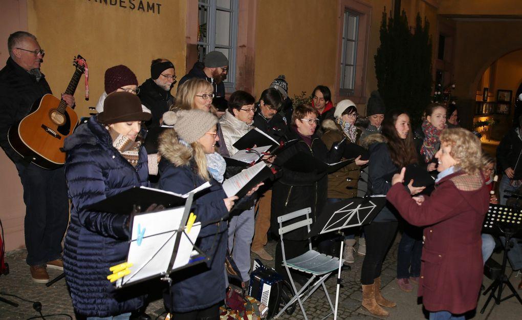 Stimmungsvolle musikalische Stunde der Sing- und Musikschule zum Abschluss der Veitshöchheimer Altortweihnacht