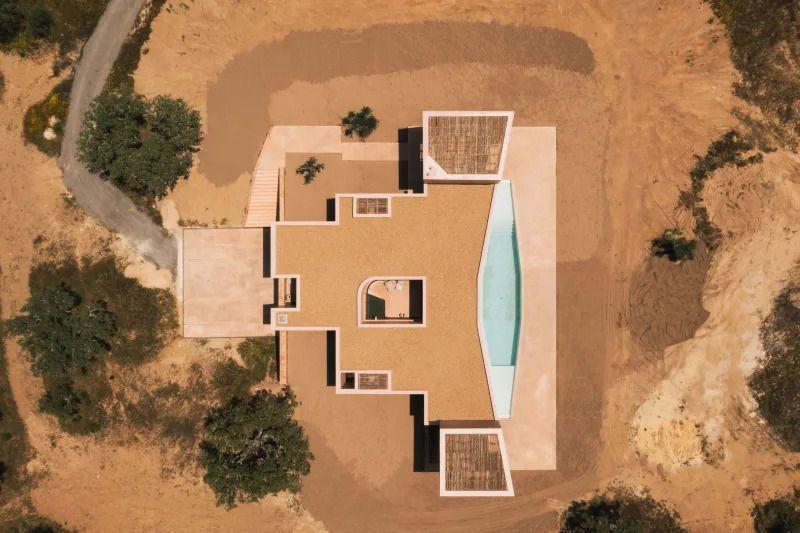BAK GORDON ARCHITECTS HOUSE IN GRÂNDOLA. MONTE DOS PATOS, PORTUGAL