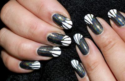 Nail Art Graphique illusion French Manucure 100% Vernis