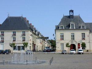 La grande rue et la place du Cardinal (photos MP)