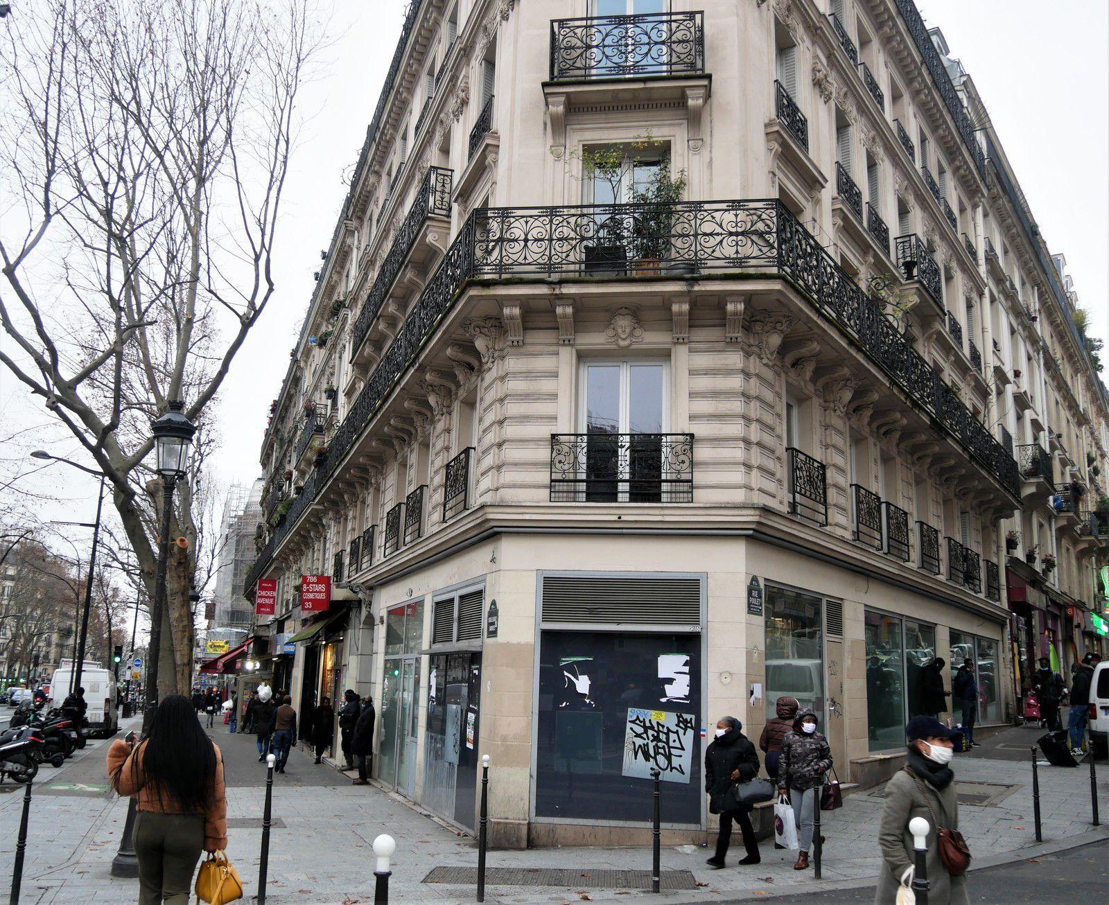 33 boulevard Barbès (à droite rue Poulet).