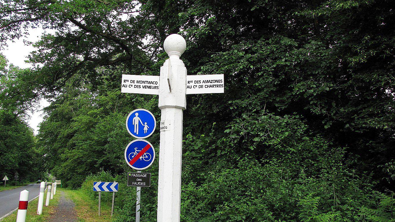 le carrefour de Montmacq