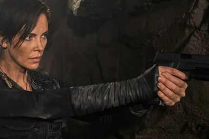 THE OLD GUARD, CHARLIZE THERON SOUS PRESSION DANS LA PREMIERE BANDE-ANNONCE