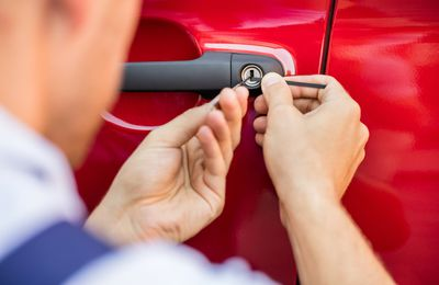 Employing an Expert Locksmith Professional For Door Locks and Key Losses