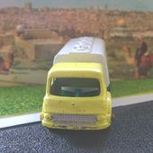 BEDFORD PETROL TANKER CAMION CITERNE BP MATCHBOX - car-collector.net