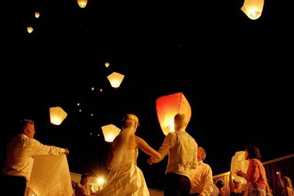 Sky lantern: ou comment occuper vos invités de façon romantique