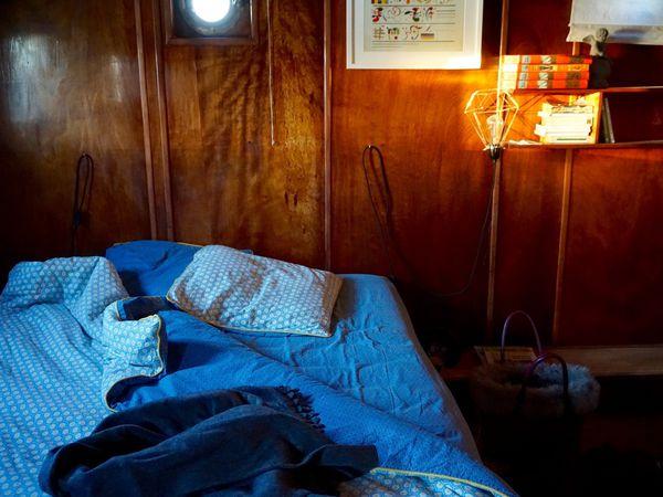 Dormir sur une péniche face au Palais des Papes