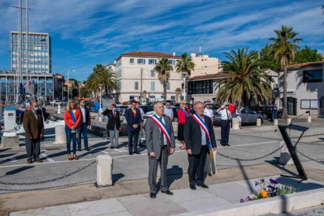 Devoir de mémoire et hommages patriotiques : le confinement peu à peu relâché
