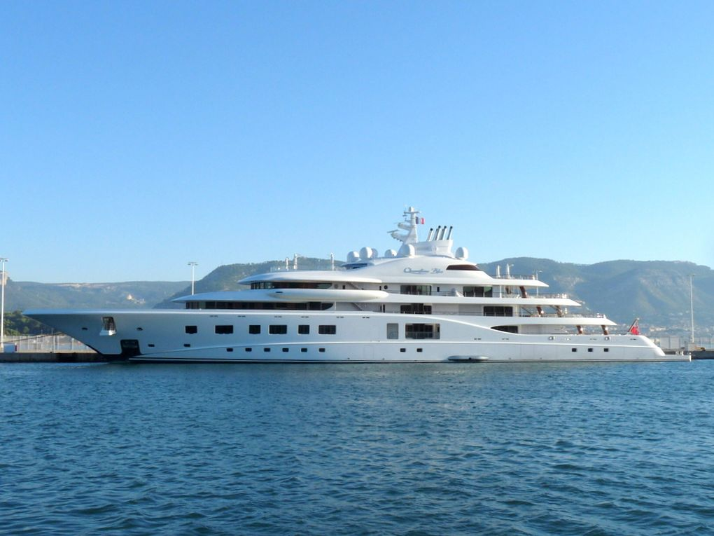 QUANTUM BLUE , a quai à la Seyne sur Mer le 08 octobre 2016