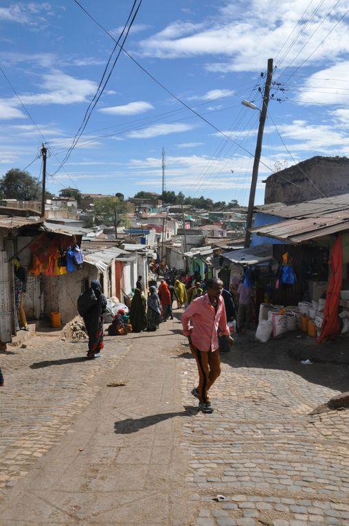 Photos d'Harar et de Dire Dawa dans l'ordre du programme.