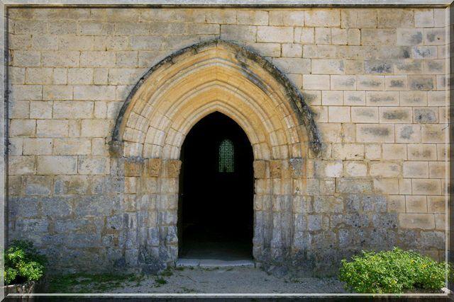 Diaporama église fortifiée de Cercles